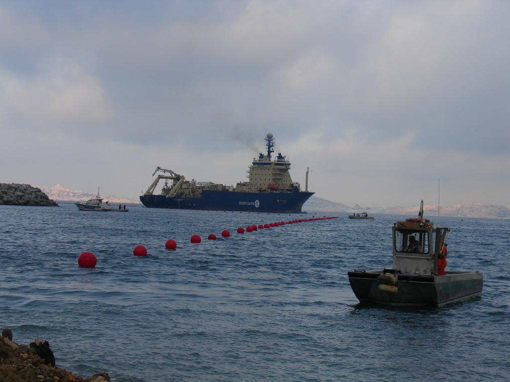 L'histoire des câbles sous-marins de télécommunication résumée en 3 grandes dates